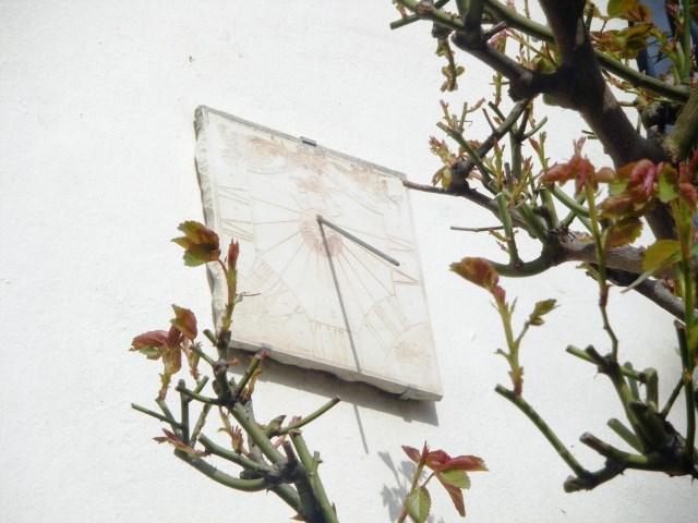 cadran-solaire-rue-georges-lardennois