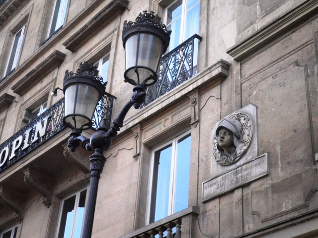 jeanne-darc-ancienne-porte-saint-honore-rue-saint-honore-75001-
