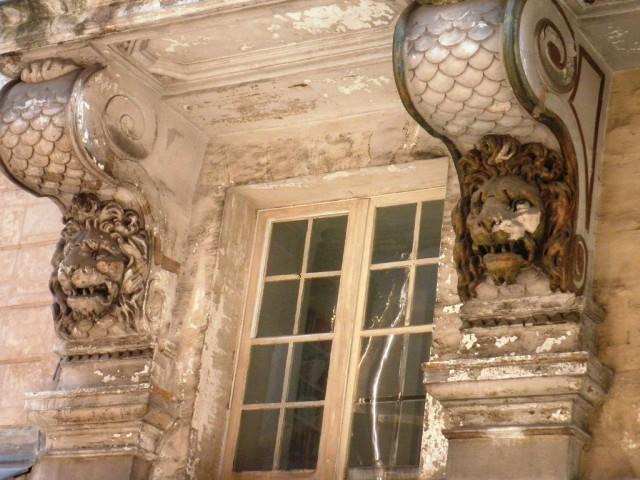 Lions rue de Valois