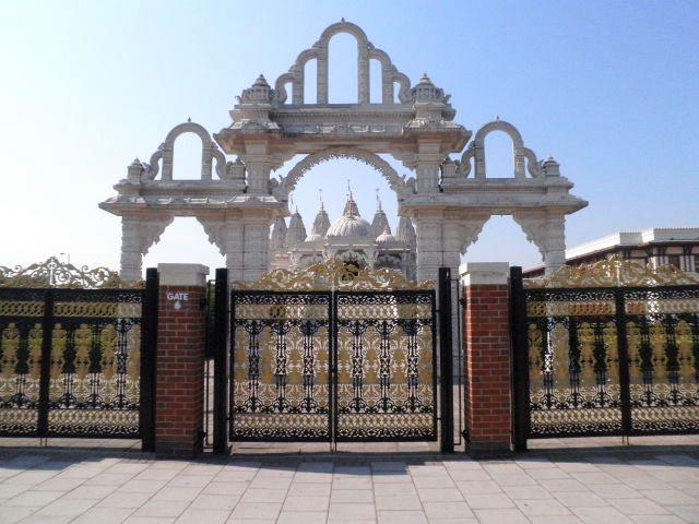 Temple hindou à Londres BAPS Shri Swaminarayan Mandir