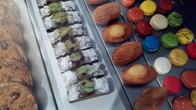 Acide, Restaurant à desserts