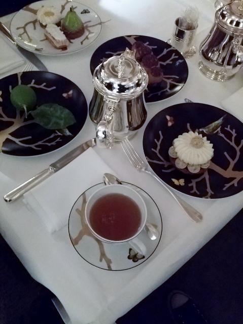 Tea Time au Meurice les pâtisseries fines de Cédric Grolet