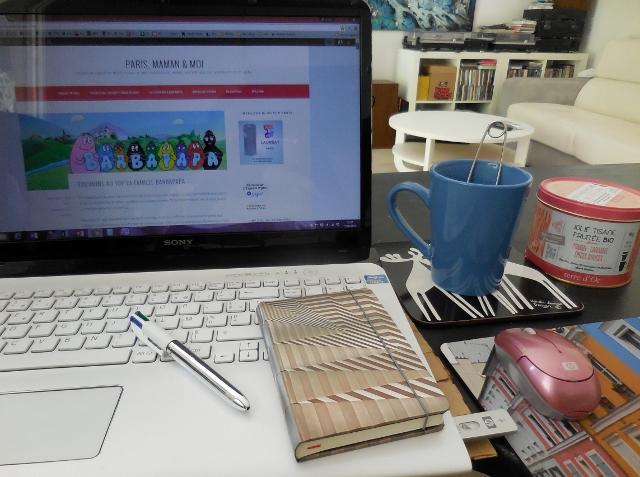 Blogueuse à carnets et à thés