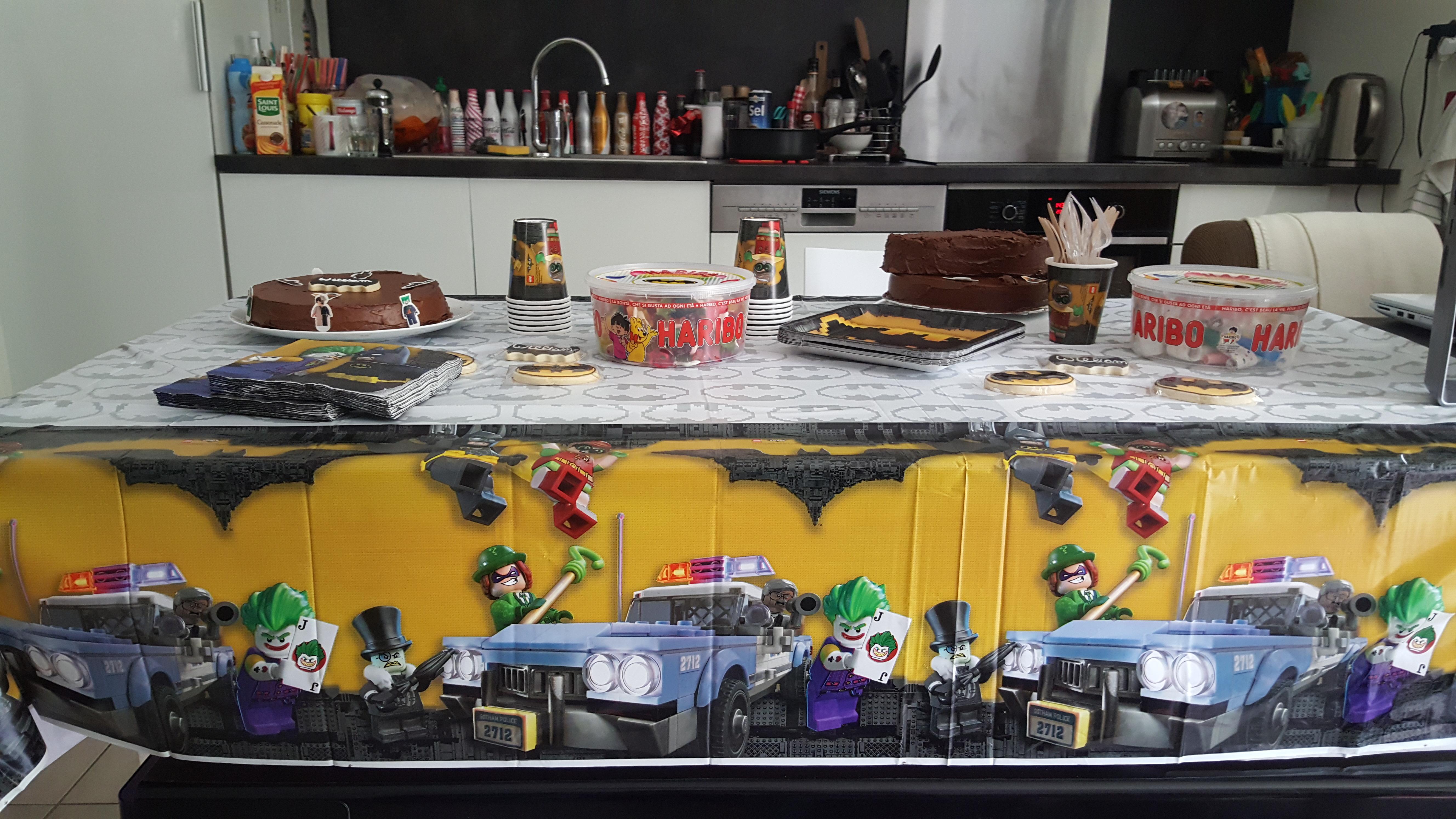 Anniversaire lego batman d co sweet table et maquillage - Deco pour anniversaire batman ...